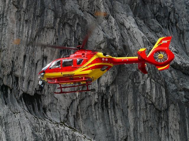 vrtulník na horách