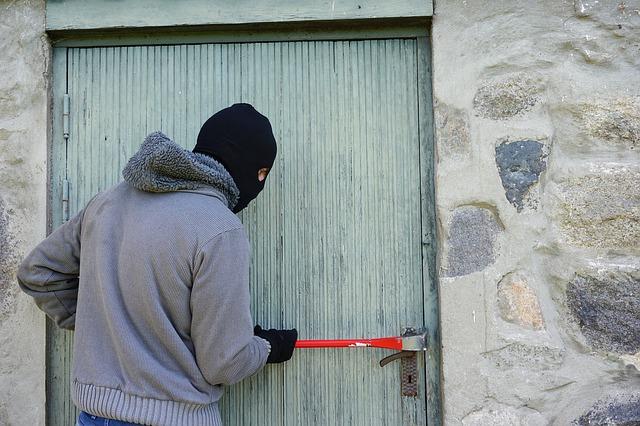 lupič u dveří