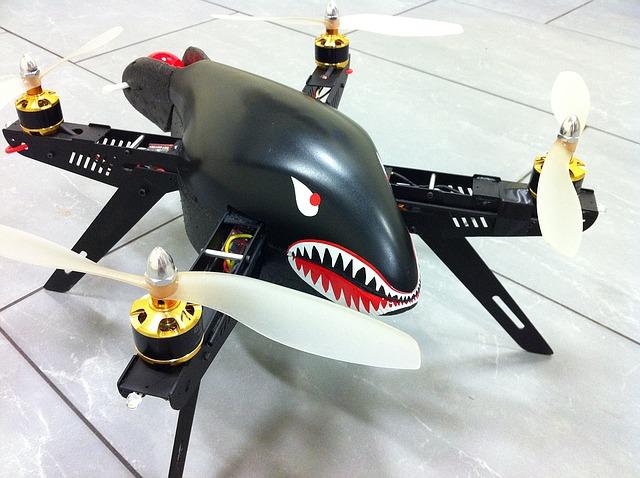 žraločí dron
