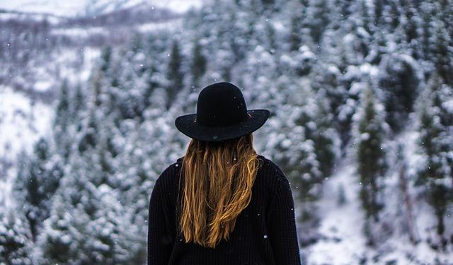 žena na horách