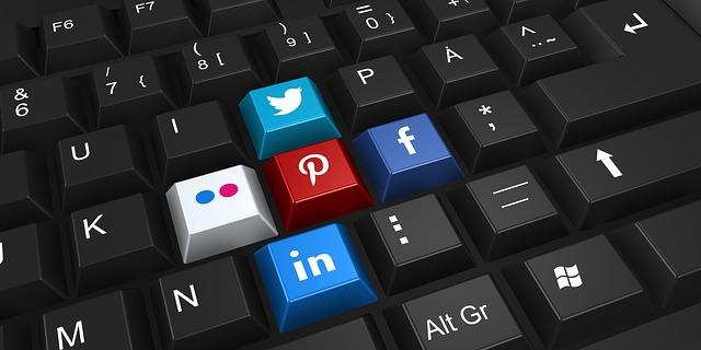 sociální sítě na tlačítkách