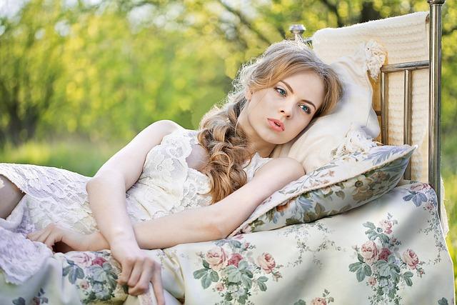 postel na zahradě