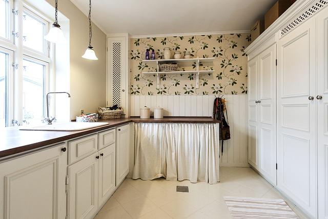 vestavěné skříně v kuchyni