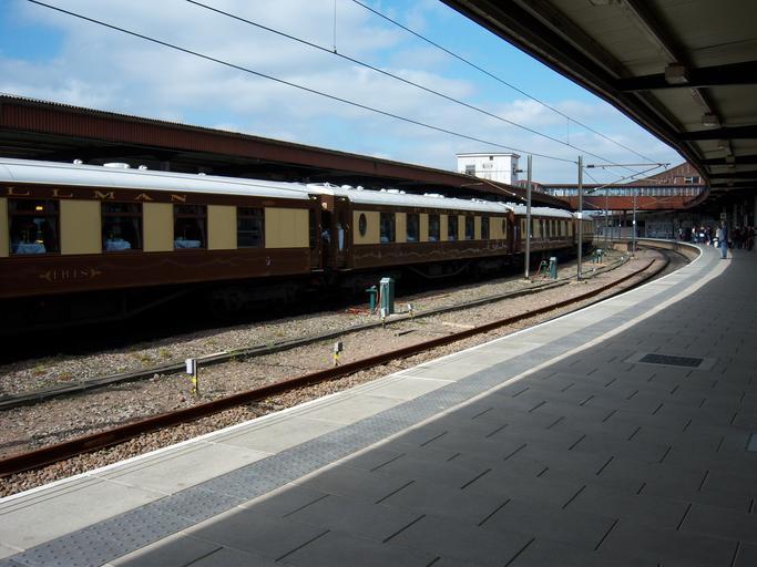 souprava na nádraží