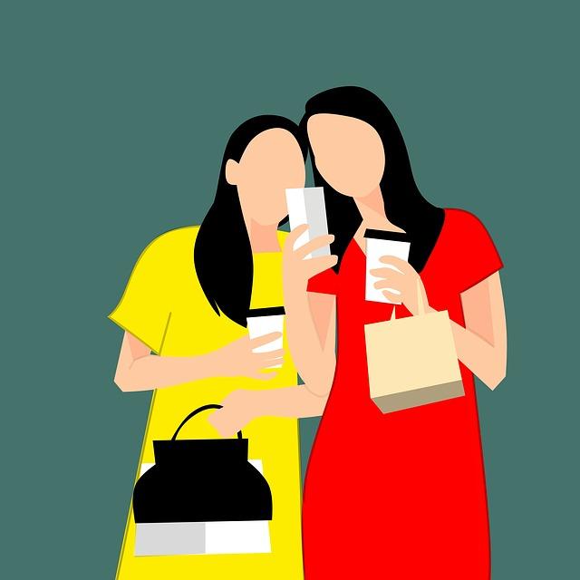 kreslené ženy držící telefony na šedém pozadí