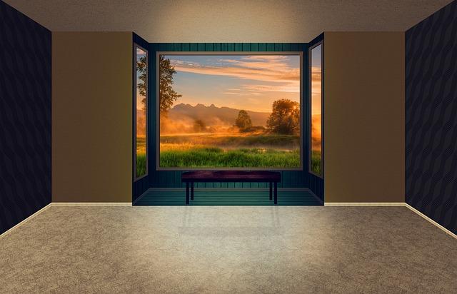 místnost s velkým oknem