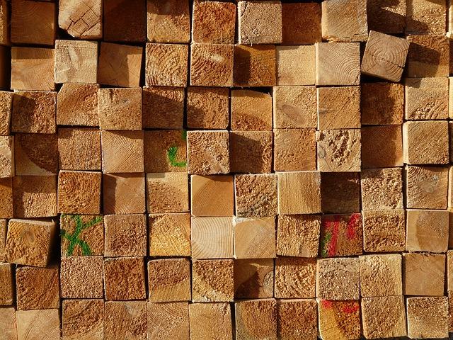 dřevěné trámy