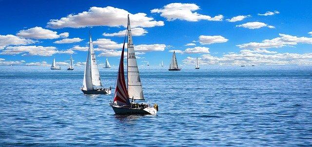 Plachtění na moři